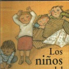 Libros de segunda mano: JAUME ESCALA. CARME SOLE VENDRELL. LOS NIÑOS DEL MAR. SIRUELA. Lote 207289235
