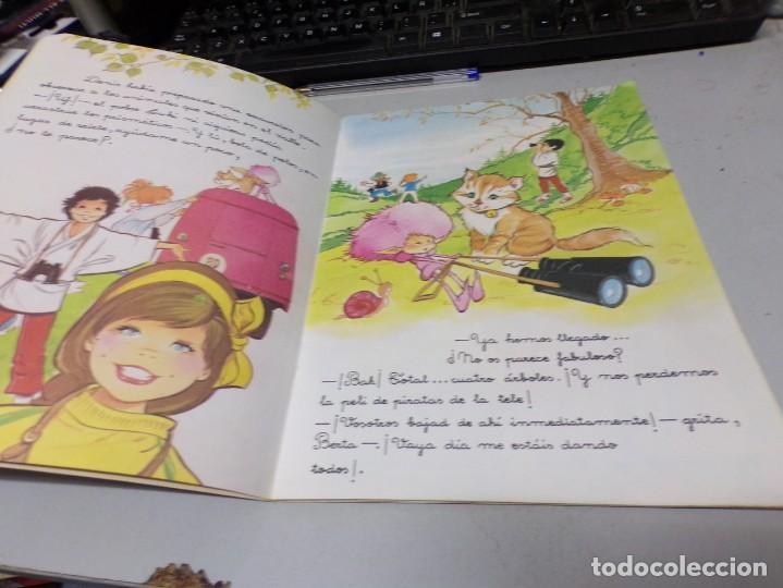 Libros de segunda mano: ROBERTA Y SU PANDA Nº 6 LA ESPADA DE FUEGO - MARIA PASCUAL - Foto 3 - 210937295
