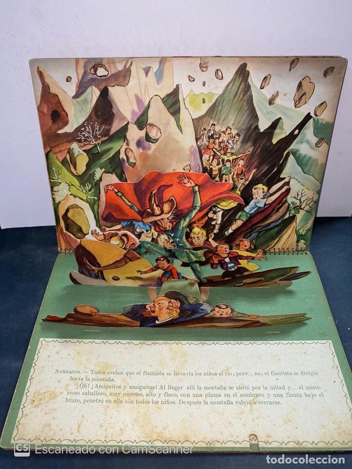Libros de segunda mano: EL FLAUTISTA DE HAMELIN. ADAPTACION DE J. MORERA VIELLA. 2ª APRTE. BIBLIOTECA DIORAMICA. AÑO 1951. - Foto 4 - 213139943