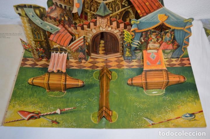 Libros de segunda mano: EL TORNEO en el castillo de COSTER / BANCROFT & CO - Cuento con dioramas / Años 60 ¡Mira, precioso! - Foto 5 - 218523498