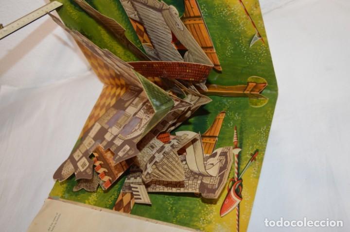 Libros de segunda mano: EL TORNEO en el castillo de COSTER / BANCROFT & CO - Cuento con dioramas / Años 60 ¡Mira, precioso! - Foto 7 - 218523498