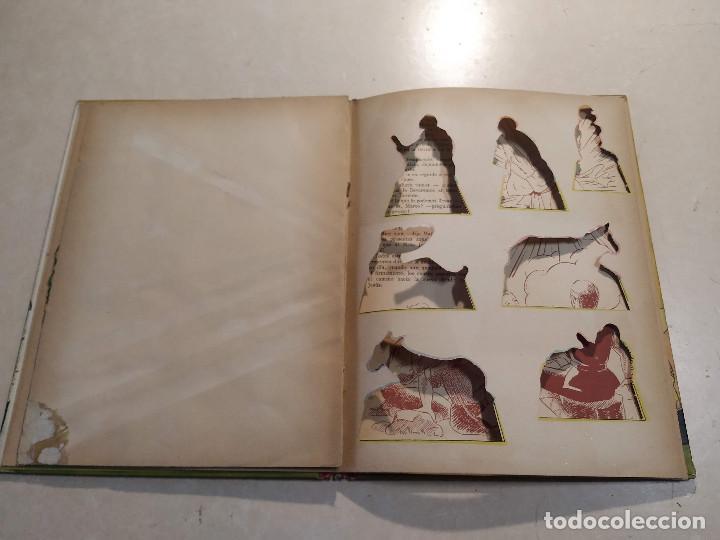 Libros de segunda mano: EL BELÉN DE LA ABUELITA - ILUSTRACIÓN SORPRESA - COMPLETO - Foto 6 - 221929465