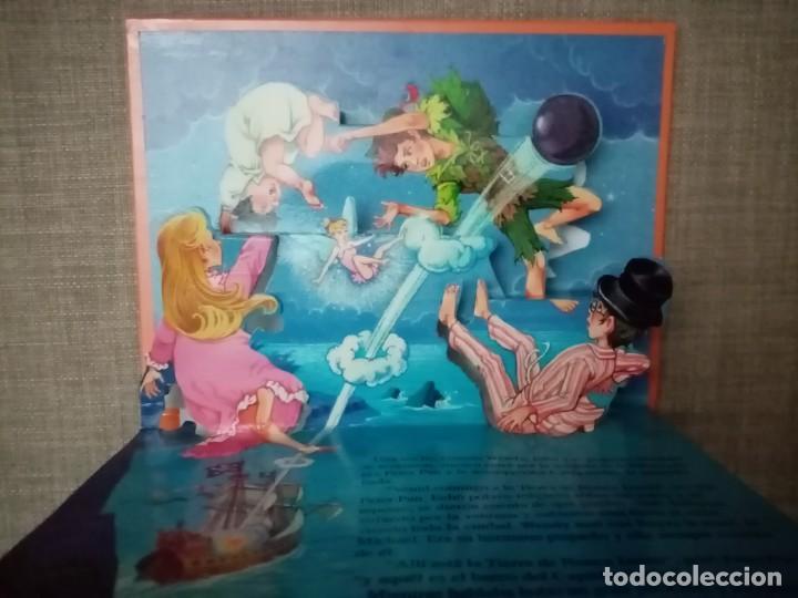 Libros de segunda mano: PETER PAN CUENTOS CLASICOS POP-UP EDICIONES SALDAÑA 2001 - Foto 3 - 224366788