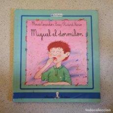 Libros de segunda mano: MIGUEL EL DORMILON - CUENTO DE MERCÉ ESCARDÓ I BAS - ILUSTRACIONES DE RICARD RECIO. Lote 224591270