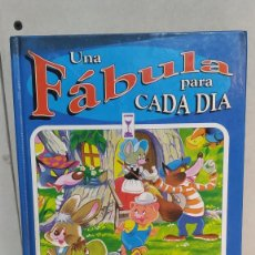 Libros de segunda mano: LIBRO UNA FÁBULA PARA CADA DÍA - CARLOS BUSQUETS - SUSAETA EDICIONES - 1979. Lote 236490800