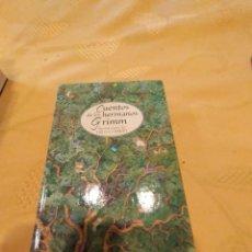 Libros de segunda mano: M-22 LIBRO CUENTOS DE LOS HERMANOS GRIMM ILUSTRACIONES DE HELGA GEBERT. Lote 247582855