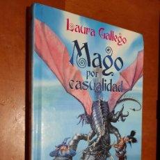 Libros de segunda mano: MAGO POR CASUALIDAD. LAURA GALLEGO. BRUÑO. TAPA DURA. BUEN ESTADO. Lote 252679720