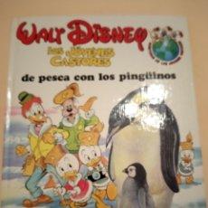 Libros de segunda mano: LOS JÓVENES CASTORES DE PESCA CON PINGUINOS MONTENA. Lote 262450820