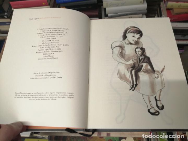 Libros de segunda mano: ALICIA EN EL PAÍS DE LAS MARAVILLAS . LEWIS CARROLL. ILUSTRACIONES MARTA GÓMEZ-PINTADO. 2009 - Foto 4 - 266975619