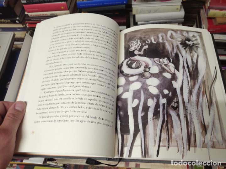 Libros de segunda mano: ALICIA EN EL PAÍS DE LAS MARAVILLAS . LEWIS CARROLL. ILUSTRACIONES MARTA GÓMEZ-PINTADO. 2009 - Foto 7 - 266975619