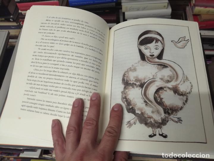 Libros de segunda mano: ALICIA EN EL PAÍS DE LAS MARAVILLAS . LEWIS CARROLL. ILUSTRACIONES MARTA GÓMEZ-PINTADO. 2009 - Foto 8 - 266975619