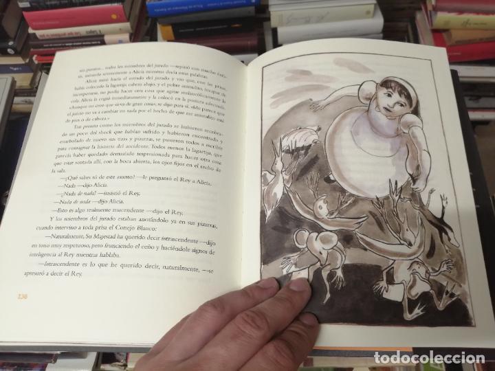 Libros de segunda mano: ALICIA EN EL PAÍS DE LAS MARAVILLAS . LEWIS CARROLL. ILUSTRACIONES MARTA GÓMEZ-PINTADO. 2009 - Foto 13 - 266975619