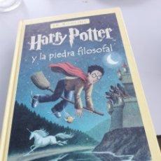 Libros de segunda mano: HARRY POTTER Y LA PIEDRA FILOSOFAL DE 2001 DE SALAMANDRA. Lote 271649508