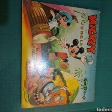 Libros de segunda mano: MICKEY EN LA JUNGLA . PANORAMICOS.IMAGENES EN RELIEVE DE WALT DISNEY 1957. Lote 288467038