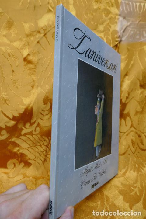 Libros de segunda mano: Miquel Martí i Pol i Carme Solé Vendrell - Laniversari - LIBRO DEDICADO DE LA AUTORA. - Foto 2 - 288553783