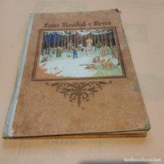 Libros de segunda mano: ENTRE NAVIDAD Y REYES. CUENTO DE NAVIDAD. Mª RODRIGUEZ RUBI. SIN FECHAR. TIPO. DE SANTIAGO. 46 PAGS.. Lote 294115033