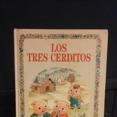 Libros de segunda mano: LOS TRES CERDITOS COLECCION BUENAS NOCHES Nº 5 .EDITORIAL BRUGUERA. Lote 295702788