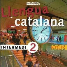 Libros de segunda mano: LLENGUA CATALANA INTERMEDI 2 SOLUCIONARI. Lote 179076437
