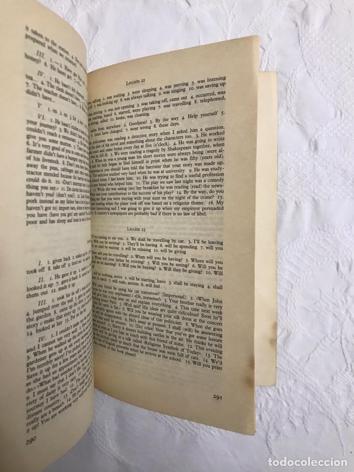 Libros de segunda mano: THE BBC ENGLISH COURSE. GETTING ON IN ENGLISH. CALLING THE BEGINNERS. DISCOS. CURSO DE INGLÉS - Foto 7 - 211511616