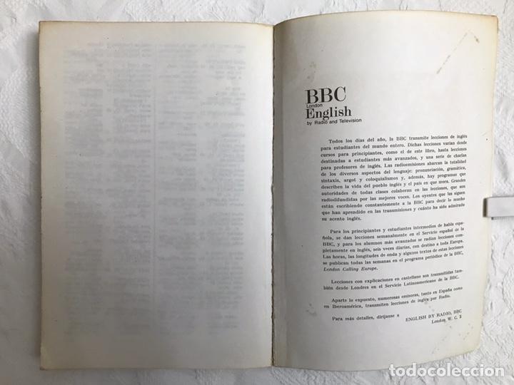 Libros de segunda mano: THE BBC ENGLISH COURSE. GETTING ON IN ENGLISH. CALLING THE BEGINNERS. DISCOS. CURSO DE INGLÉS - Foto 20 - 211511616