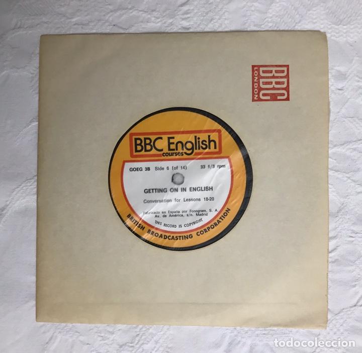 Libros de segunda mano: THE BBC ENGLISH COURSE. GETTING ON IN ENGLISH. CALLING THE BEGINNERS. DISCOS. CURSO DE INGLÉS - Foto 25 - 211511616
