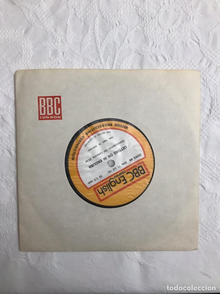 Libros de segunda mano: THE BBC ENGLISH COURSE. GETTING ON IN ENGLISH. CALLING THE BEGINNERS. DISCOS. CURSO DE INGLÉS - Foto 30 - 211511616