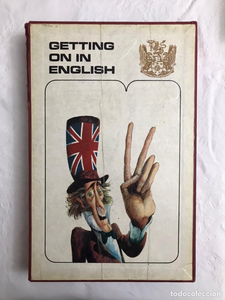 Libros de segunda mano: THE BBC ENGLISH COURSE. GETTING ON IN ENGLISH. CALLING THE BEGINNERS. DISCOS. CURSO DE INGLÉS - Foto 31 - 211511616
