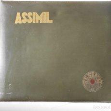 Libros de segunda mano: ASSIMIL FRANCES. ESTUCHE CON 12 SINGLES DE VINILO CON LAS LECCIONES DE FRANCES. AÑO 1966. EDITADO PO. Lote 224432580