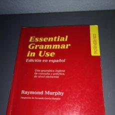 Libros de segunda mano: TRST4F F20. LLIBRO ESSENTIAL GRAMMAR IN USE. RAYMOND MURPHY. Lote 224575091