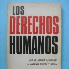 Libros de segunda mano: LOS DERECHOS HUMANOS. TECNOS. Lote 110949786