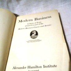 Libros de segunda mano: 2 LIBROS DE MODERN BUSSINES. 1946. Lote 40316395