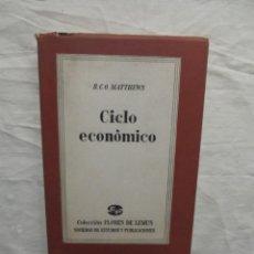 Libros de segunda mano: CICLO ECONOMICO POR R,C,O, MATTHEWS. Lote 56698318