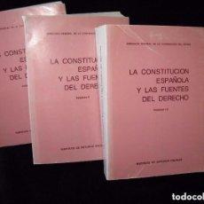 Libri di seconda mano: LA CONSTITUCIÓN ESPAÑOLA Y LAS FUENTES DEL DERECHO 3 TOMOS.. Lote 66235102