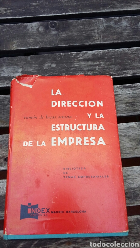 La Dirección Y La Estructura De La Empresa