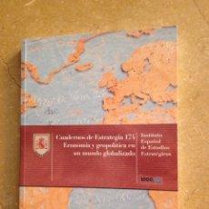 Libros de segunda mano: ECONOMÍA Y GEOPOLÍTICA EN UN MUNDO GLOBALIZADO (IEEE) MINISTERIO DE DEFENSA. Lote 128436552