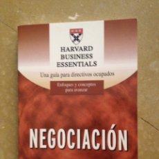 Libros de segunda mano: NEGOCIACIÓN. UNA GUÍA PARA DIRECTIVOS OCUPADOS. ENFOQUES Y CONCEPTOS PARA AVANZAR (DEUSTO). Lote 131993885