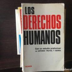 Libros de segunda mano: LOS DERECHOS HUMANOS. TECNOS. Lote 132016642