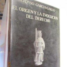 Libros de segunda mano: EL ORIGEN Y LA EVOLUCIÓN DEL DERECHO - ALFONSO GARCIA-GALLO - TOMO I. - MADRID 1967.. Lote 150160134