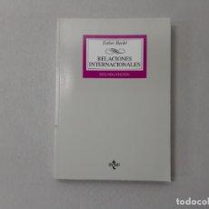 Libros de segunda mano: RELACIONES INTERNACIONALES (DERECHO) (SPANISH EDITION) - BARBÉ, ESTHER. Lote 152704681