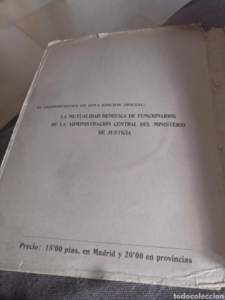 Libros de segunda mano: Codigo penal edicion oficial ministerio justicia 1944 - Foto 5 - 158450312