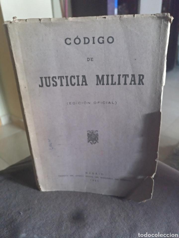 CODIGO DE JUSTICIA MILITAR EDICION OFICIAL MADRID 1945 (Libros de Segunda Mano - Ciencias, Manuales y Oficios - Derecho, Economía y Comercio)
