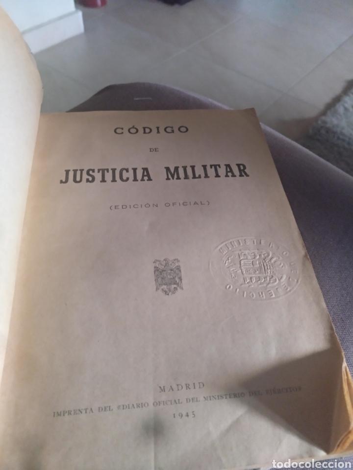 Libros de segunda mano: Codigo de justicia militar edicion oficial madrid 1945 - Foto 5 - 158451158