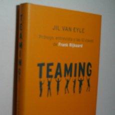Libros de segunda mano: TEAMING. TRABAJAR EN EQUIPO PARA UN MUNDO MEJOR. EYLE JIL VAN. 2007. Lote 174402135