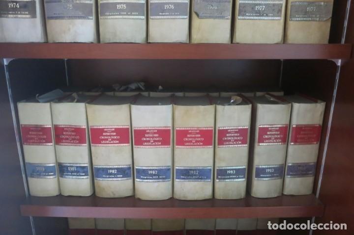 Libros de segunda mano: Repertorio Cronológico de legislación 200 tomos 1950 a 1991 Aranzadi - Foto 7 - 176912039