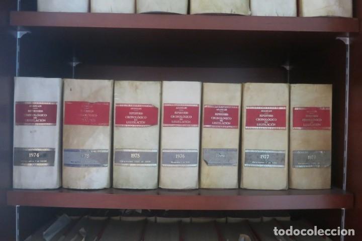 Libros de segunda mano: Repertorio Cronológico de legislación 200 tomos 1950 a 1991 Aranzadi - Foto 8 - 176912039
