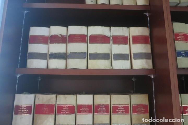 Libros de segunda mano: Repertorio Cronológico de legislación 200 tomos 1950 a 1991 Aranzadi - Foto 9 - 176912039