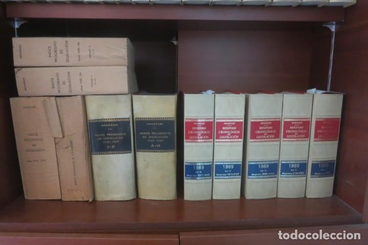 Libros de segunda mano: Repertorio Cronológico de legislación 200 tomos 1950 a 1991 Aranzadi - Foto 11 - 176912039