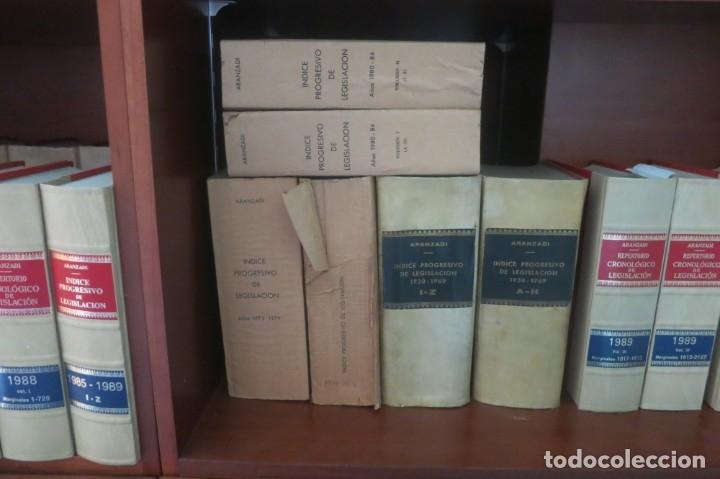 Libros de segunda mano: Repertorio Cronológico de legislación 200 tomos 1950 a 1991 Aranzadi - Foto 13 - 176912039