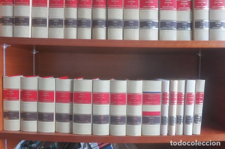 Libros de segunda mano: Repertorio Cronológico de legislación 200 tomos 1950 a 1991 Aranzadi - Foto 14 - 176912039