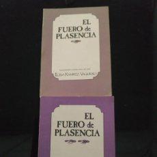 Libros de segunda mano: EL FUERO DE PLASENCIA. 2 VOLÚMENES - M. DEL TRÁNSITO VAQUERO RAMÍREZ. Lote 192792447